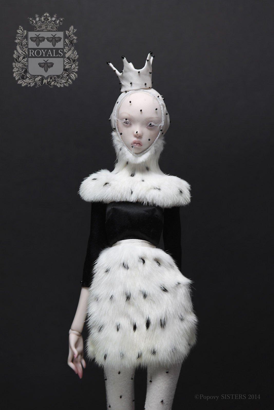 The-Forest-Magazine_Popovy_Dolls_0042