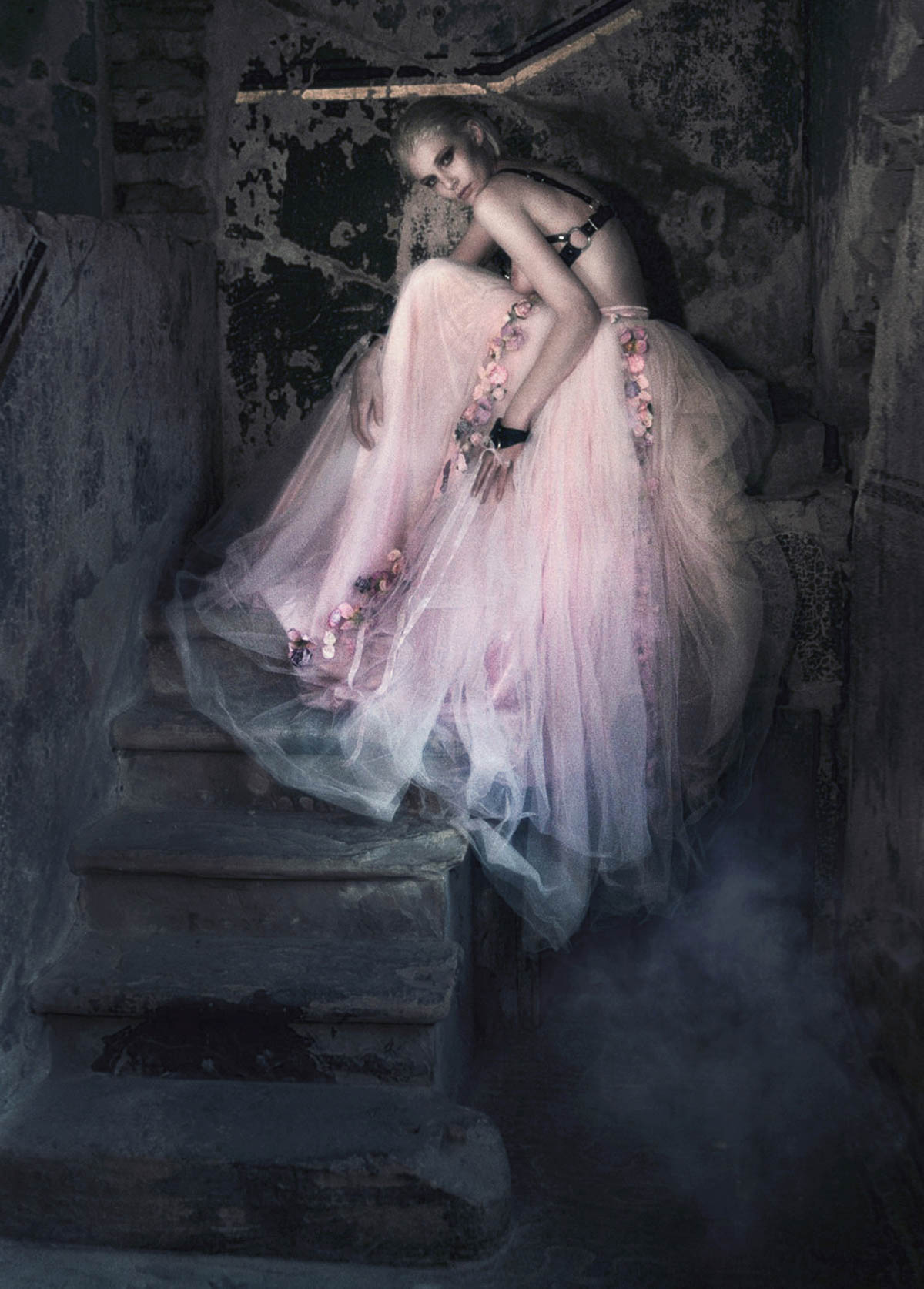 The-Forest-Magazine_Nicolas-Hayward_Carmen-Chaigh_0004