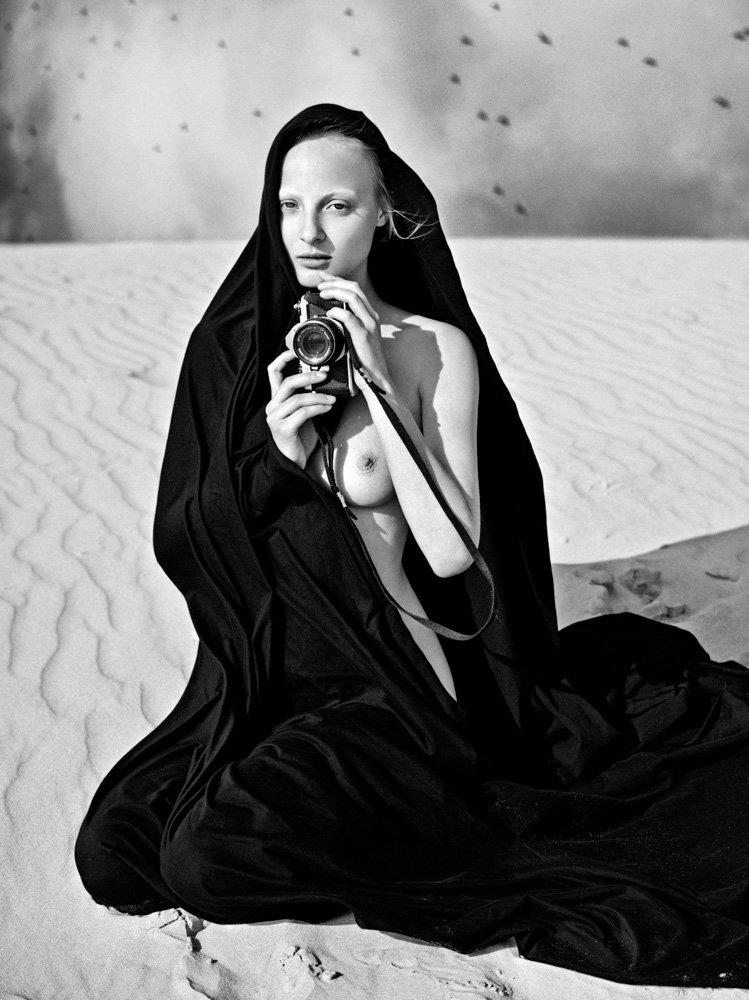 the_forest_magazine_lukas-dvorak_0004
