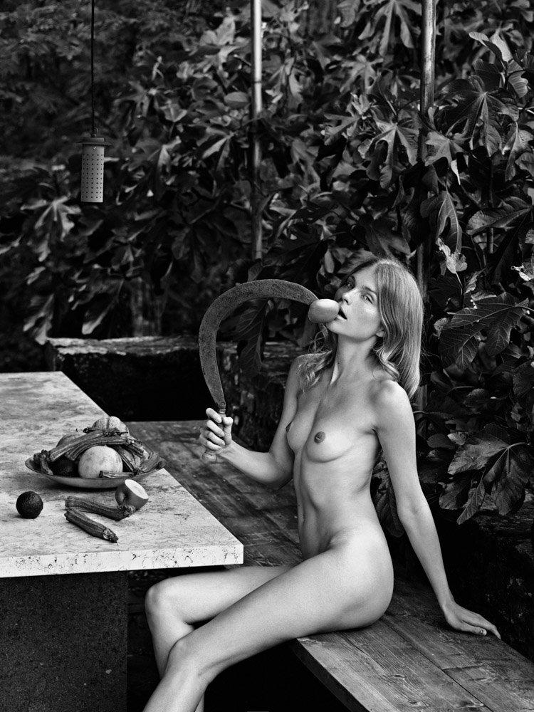 the_forest_magazine_lukas-dvorak_0024