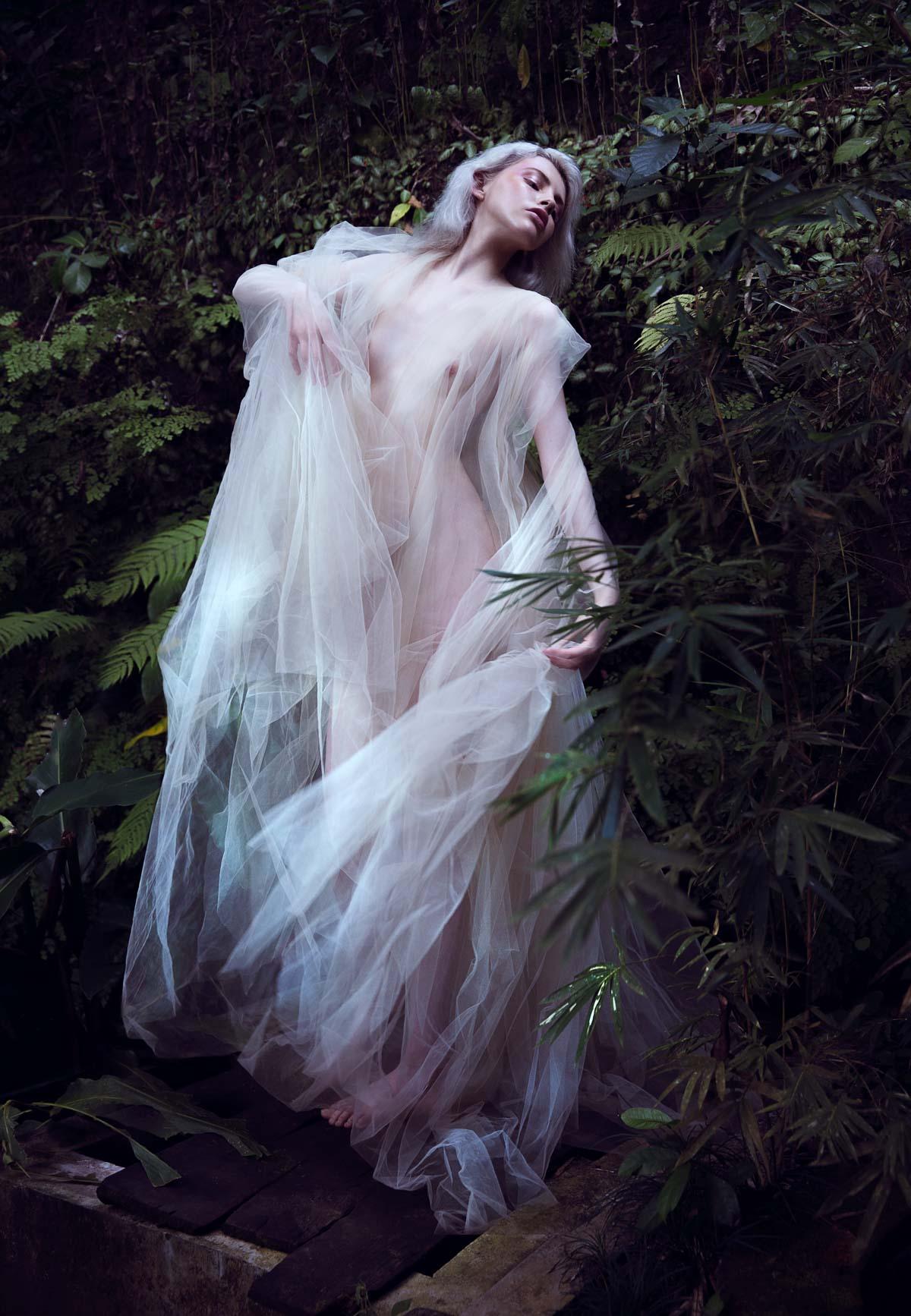 the_forest_magazine_amberly_valentine-neve-angie_angorro_0001