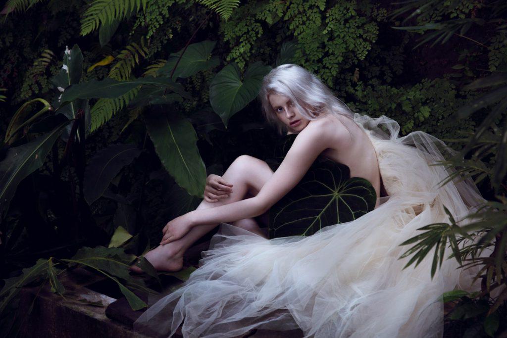 the_forest_magazine_amberly_valentine-neve-angie_angorro_0002