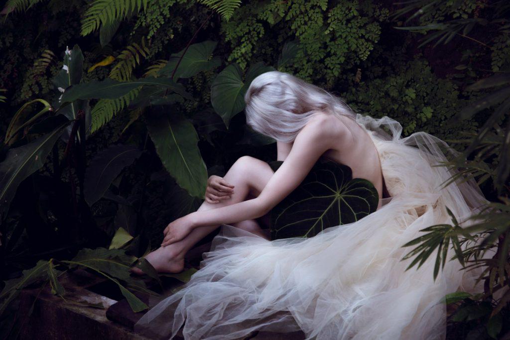 the_forest_magazine_amberly_valentine-neve-angie_angorro_0003